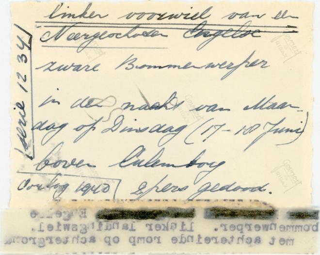 Naam: Foto 119a. 1940-06:17-18. N 1463 (L-GE). Tekst AZ: Linker voorwiel van de neergeschoten Engelse .jpg Bekeken: 251 Grootte: 455,7 KB