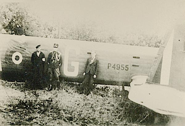 Naam: Foto 125. 1940-08 crash P4955. 600 breed.jpg Bekeken: 190 Grootte: 425,5 KB