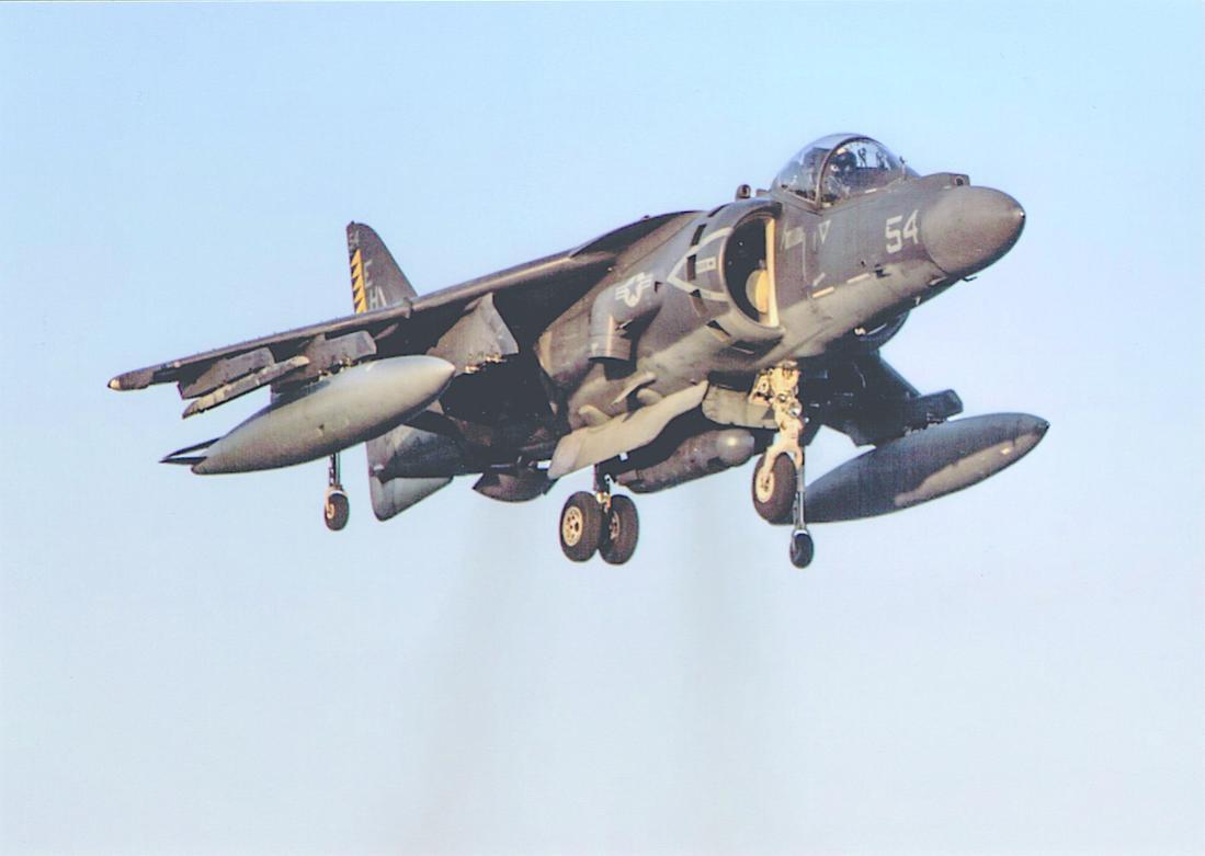 Naam: Foto 712. McDonnell Douglas [Boeing] AV-8A Harrier. 1100 breed.jpg Bekeken: 113 Grootte: 51,5 KB