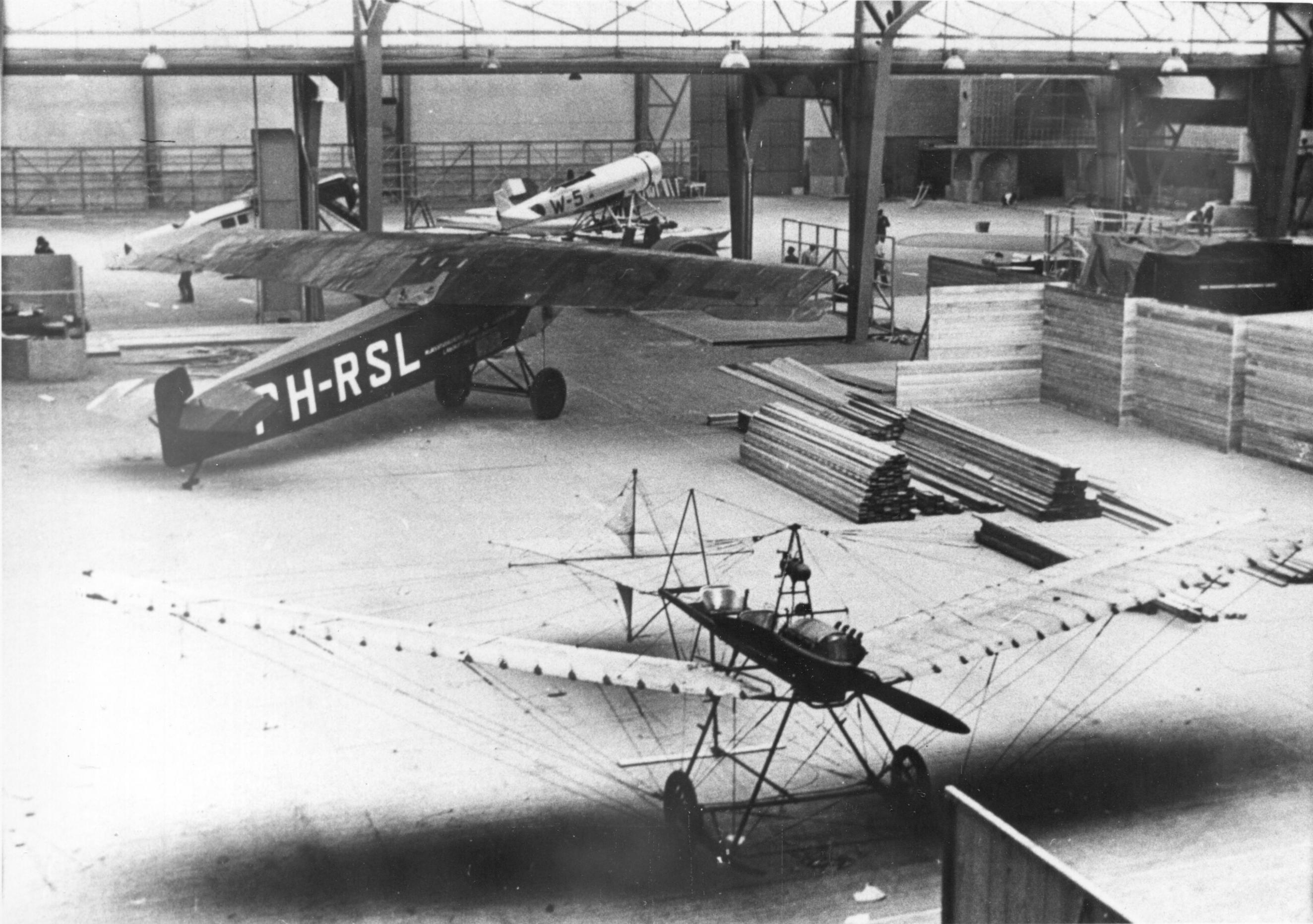 Naam: Schiphol 1939 FK26, C-11, F-7a, Spin via GJTORNIJ.jpg Bekeken: 99 Grootte: 515,8 KB