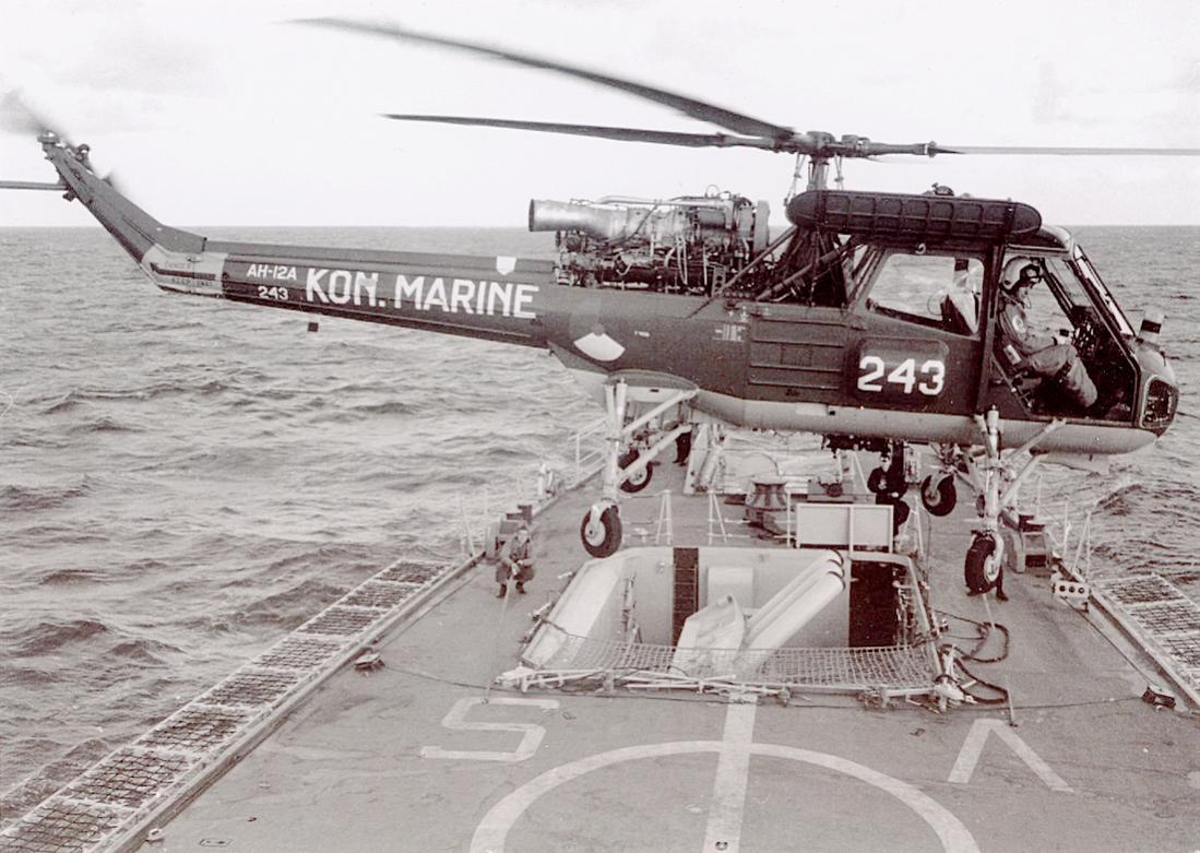 Naam: Foto 300. '243'. Westland Wasp AH-12A. 1100 breed.jpg Bekeken: 136 Grootte: 127,4 KB