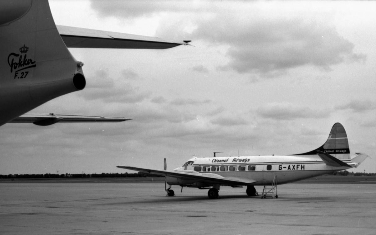 Naam: 5. G-AXFH DH-114  Heron 1B.jpg Bekeken: 1267 Grootte: 128,4 KB