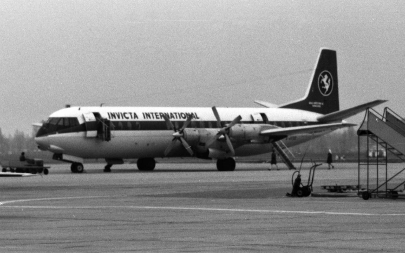 Naam: 9. G-AXOO Vickers Vanguard 952.jpg Bekeken: 1213 Grootte: 206,7 KB