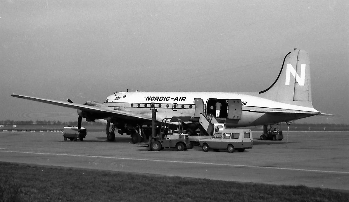 Naam: 17. Douglas DC-4 LN-MOB Nordic.jpg Bekeken: 1116 Grootte: 167,5 KB