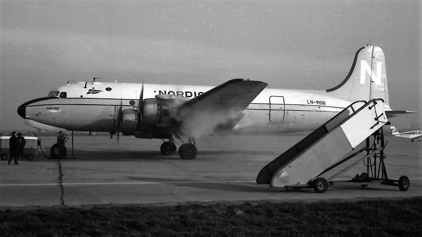 Naam: 16. Douglas DC-4 LN-MOB Nordic.jpg Bekeken: 1123 Grootte: 212,6 KB