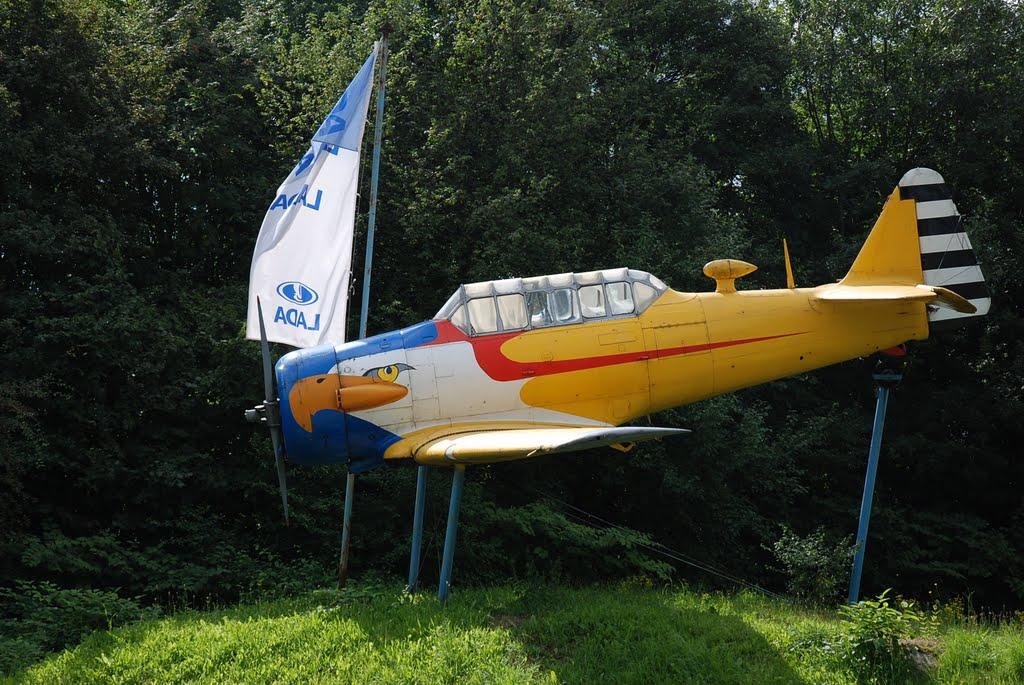 Naam: AT-6C .Wuppertal, Germany.jpg Bekeken: 154 Grootte: 160,4 KB