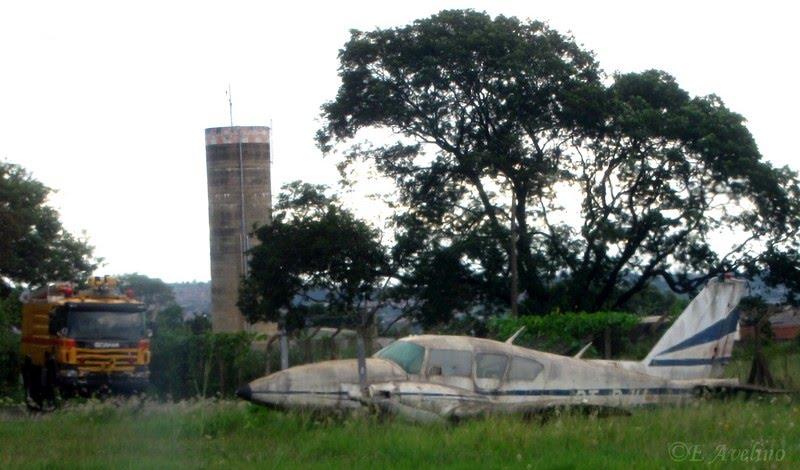 Naam: Piper Aztec , Ribeirão Preto.jpg Bekeken: 215 Grootte: 80,3 KB