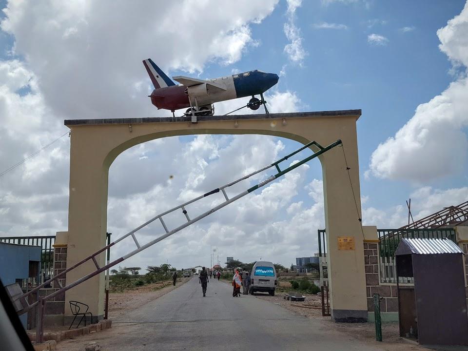 Naam: Homemade - Hargeysa airport , Somalia.jpg Bekeken: 118 Grootte: 117,3 KB