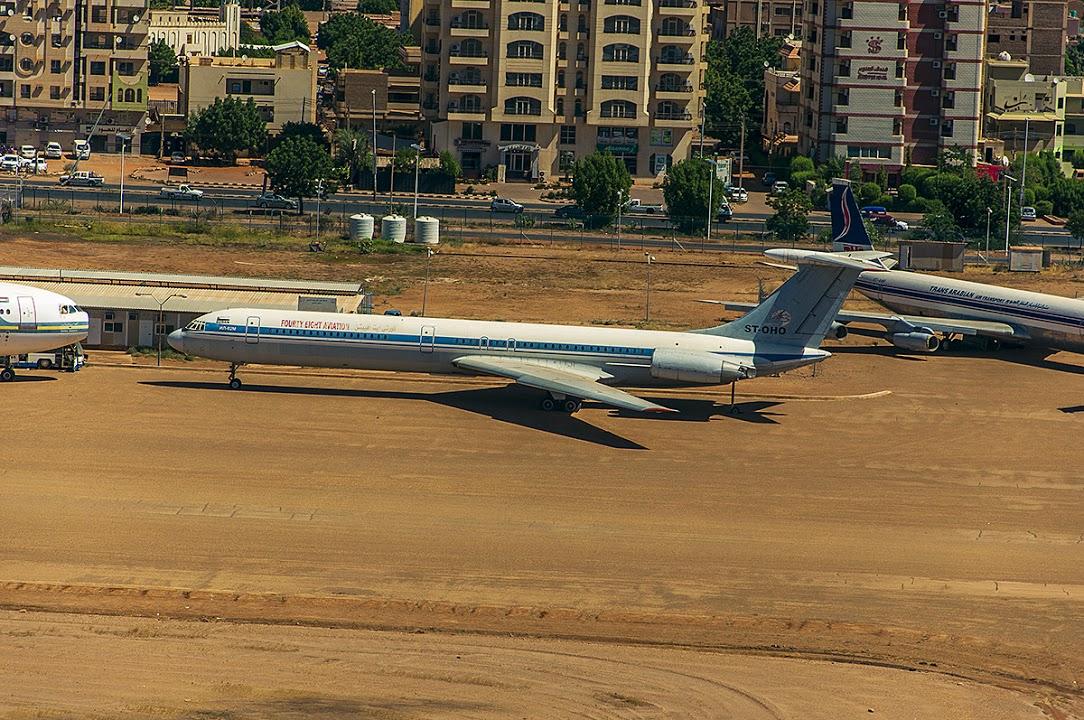 Naam: Khartoum airport - Soedan..jpg Bekeken: 100 Grootte: 290,2 KB