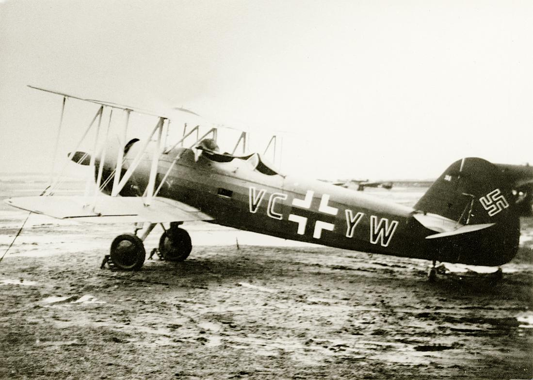 Naam: Foto 534. Praga E-241. 1. FFS A:B 23, Kaufbeuren 1942. 1100 breed.jpg Bekeken: 101 Grootte: 122,9 KB