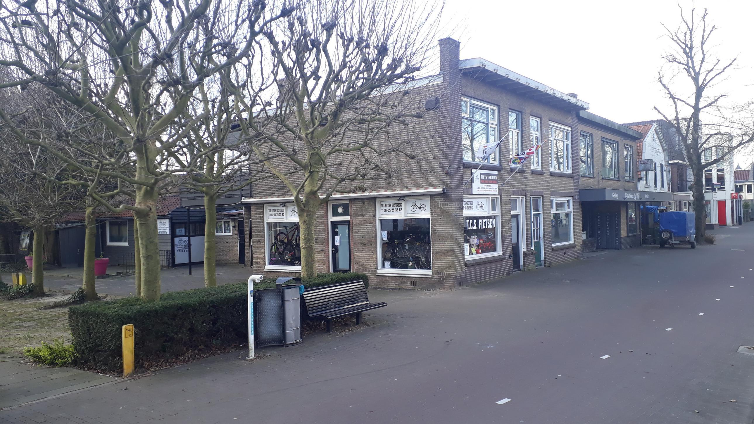 Naam: Soesterberg, Rademakerstraat 1 foto1 GJTORNIJ 2020-03-29.jpg Bekeken: 424 Grootte: 576,9 KB