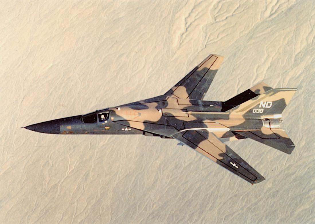 Naam: Foto 739. F-111 Aardvark. 1100 breed.jpg Bekeken: 232 Grootte: 98,7 KB