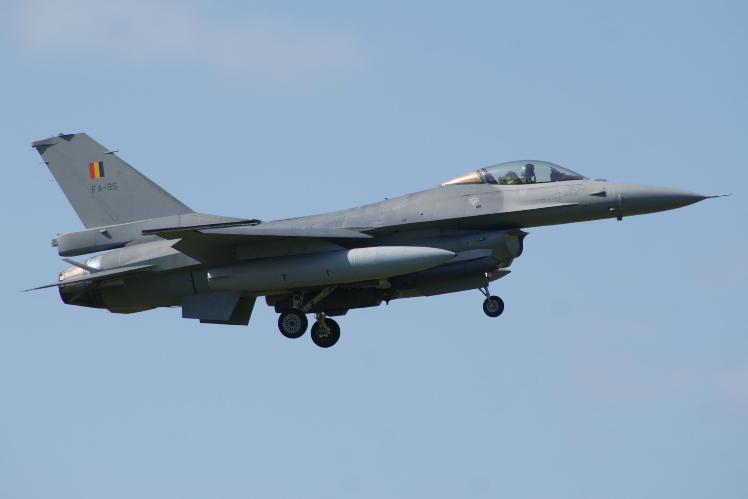 Naam: FA-95 NK.jpg Bekeken: 394 Grootte: 145,0 KB