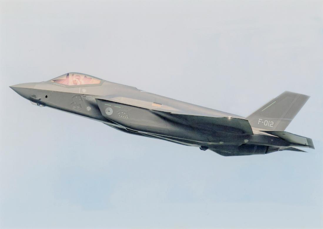 Naam: Foto 242. 'F-012'. De 12e Lockheed Martin F-35A Lightning II van de KLu. 1100 breed.jpg Bekeken: 183 Grootte: 33,7 KB