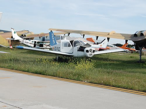 Naam: Piper PA-28-140 Cherokee - Cuatro Vientos..jpg Bekeken: 209 Grootte: 34,9 KB