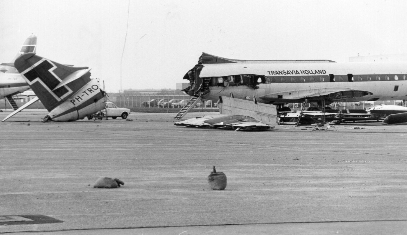 Naam: Schiphol oost - 1975.jpg Bekeken: 258 Grootte: 156,9 KB