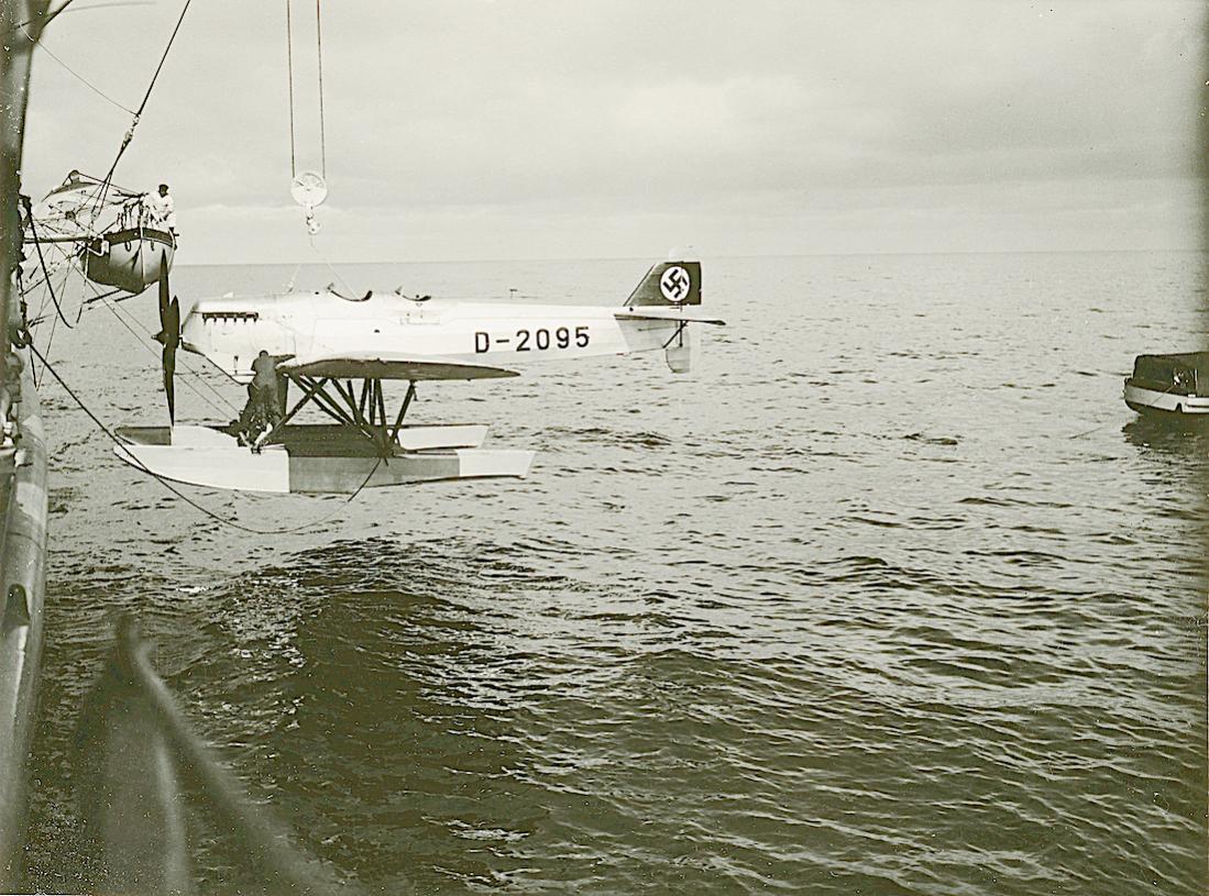 Naam: Foto 489. D-2095. Heinkel He 9d. 1100 breed.jpg Bekeken: 361 Grootte: 166,2 KB