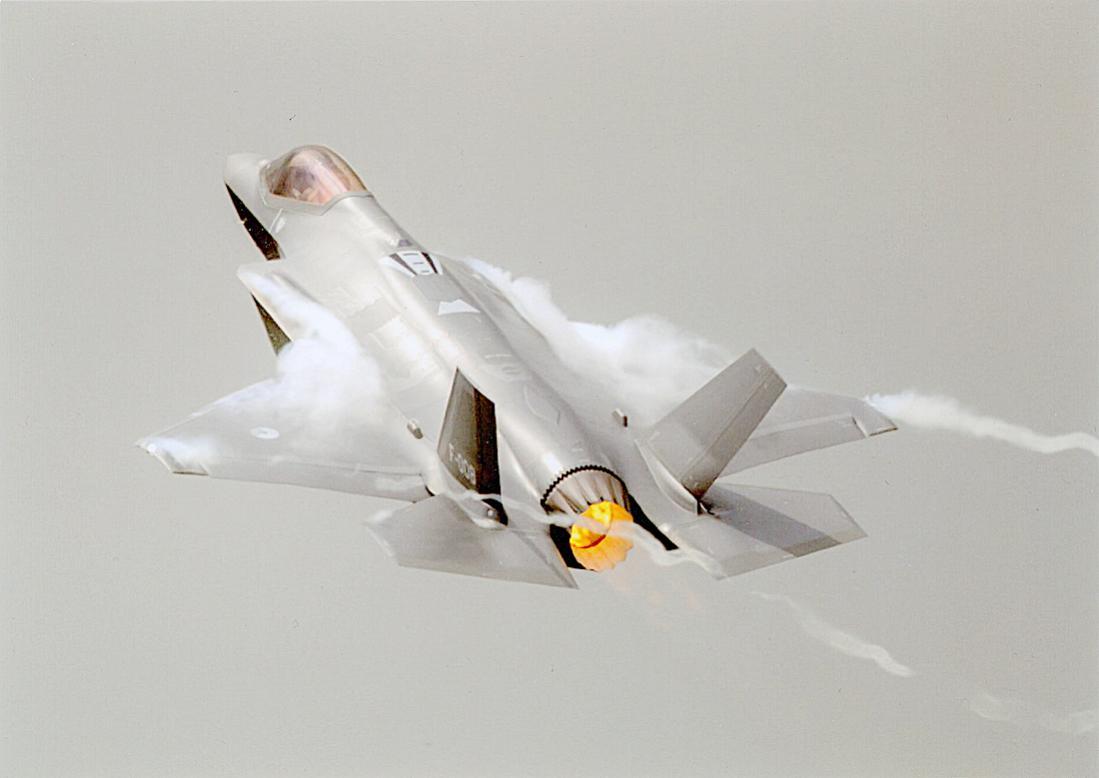 Naam: Foto 266. Lockheed Martin F-35A Lightning II. Lijkt me de F-008. 1100 breed.jpg Bekeken: 313 Grootte: 52,1 KB