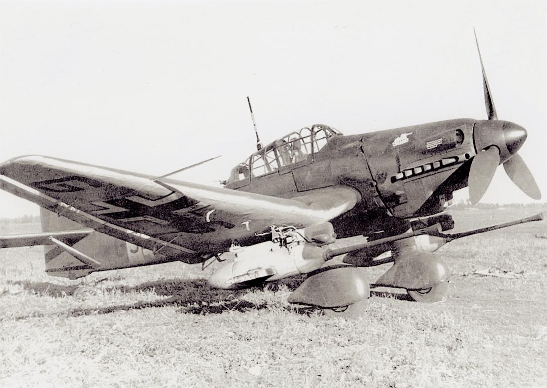 Naam: Foto 577. 'GS+MD'. Junkers Ju-87D-3 G-1 Stuka. WNr. 130556. G-1 cannon (3,7 cm Flak) armed proto.jpg Bekeken: 234 Grootte: 111,2 KB
