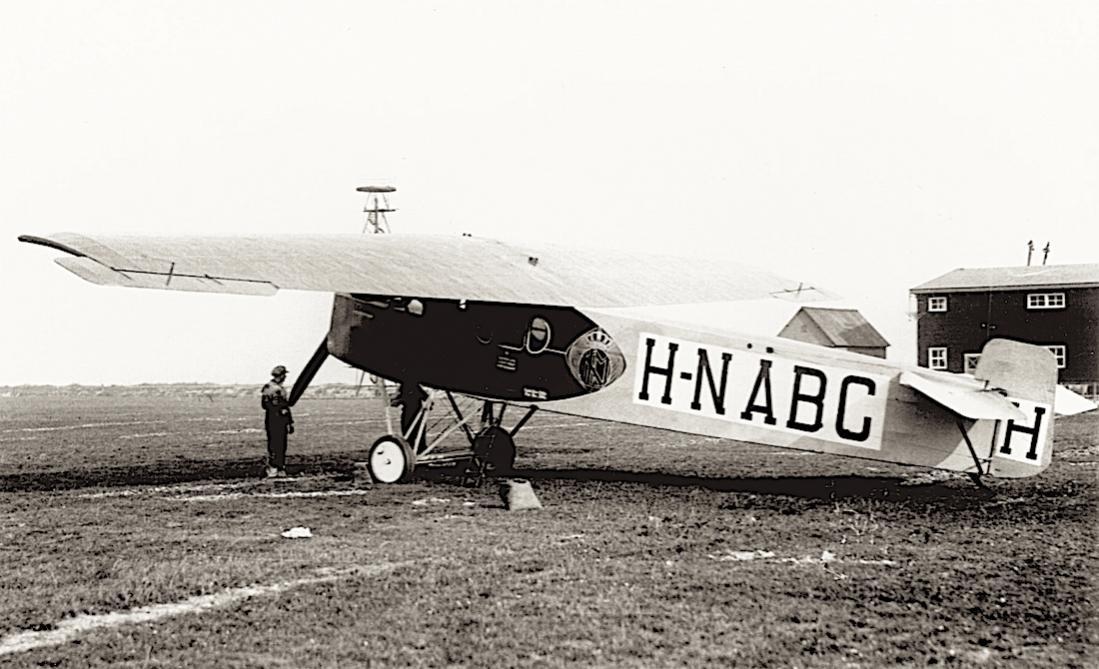 Naam: Foto 365. H-NABC (ex D-57). Fokker F.II. Verkocht als O-BAIC. 1100 breed.jpg Bekeken: 295 Grootte: 102,3 KB