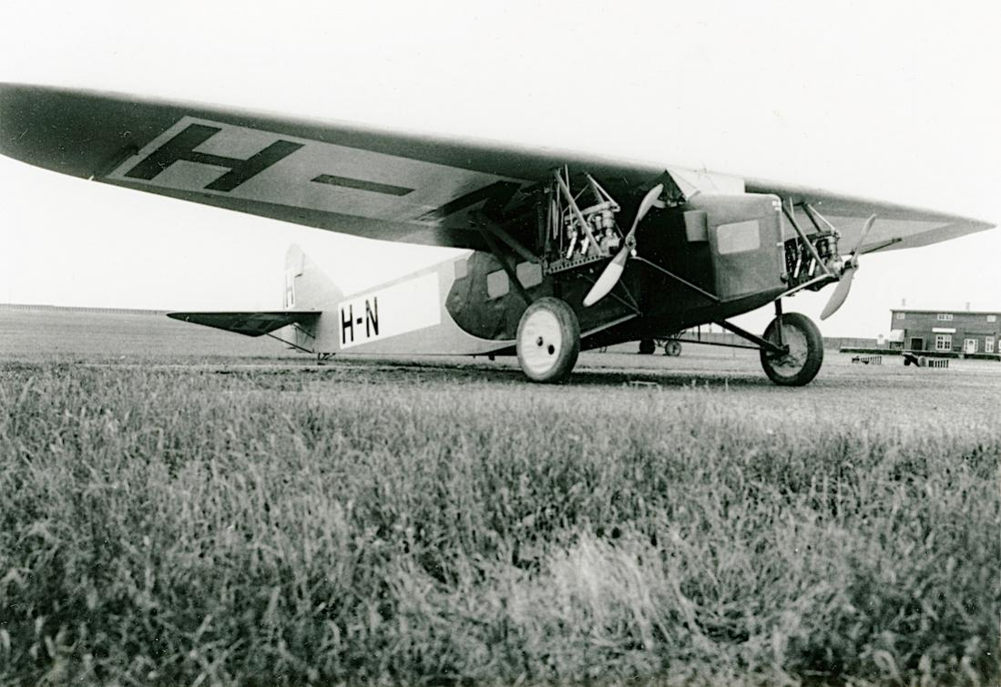 Naam: Foto 366. H-NADD (bijnaam Dikke Dirk). Koolhoven FK-33. Hier nog zonder derde motor en volledige.jpg Bekeken: 226 Grootte: 120,5 KB