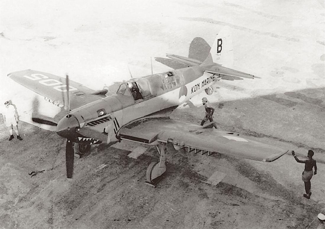 Naam: #388. 005, c:n F8229 (eerdere registraties K-33 en P-33. Fairey Fireflly FR.Mk IV. 1100 breed.jpg Bekeken: 156 Grootte: 113,4 KB