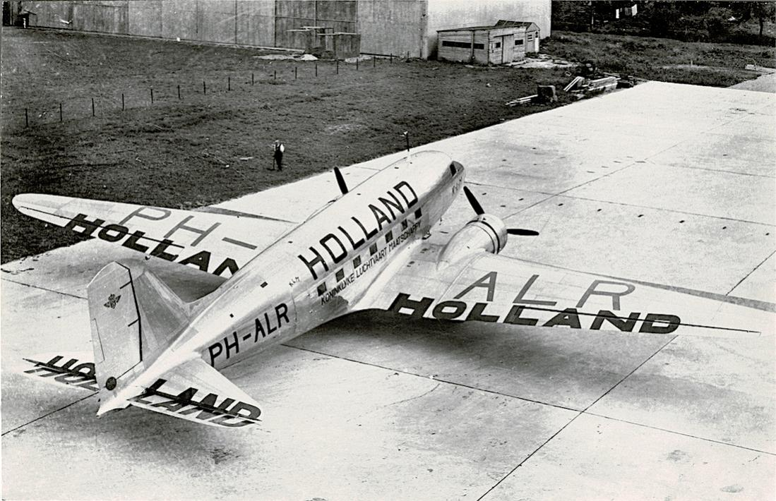 Naam: Foto 205. PH-ALR %22Reiger%22. Douglas DC-3 met Holland beschildering. 1100 breed.jpg Bekeken: 371 Grootte: 151,3 KB