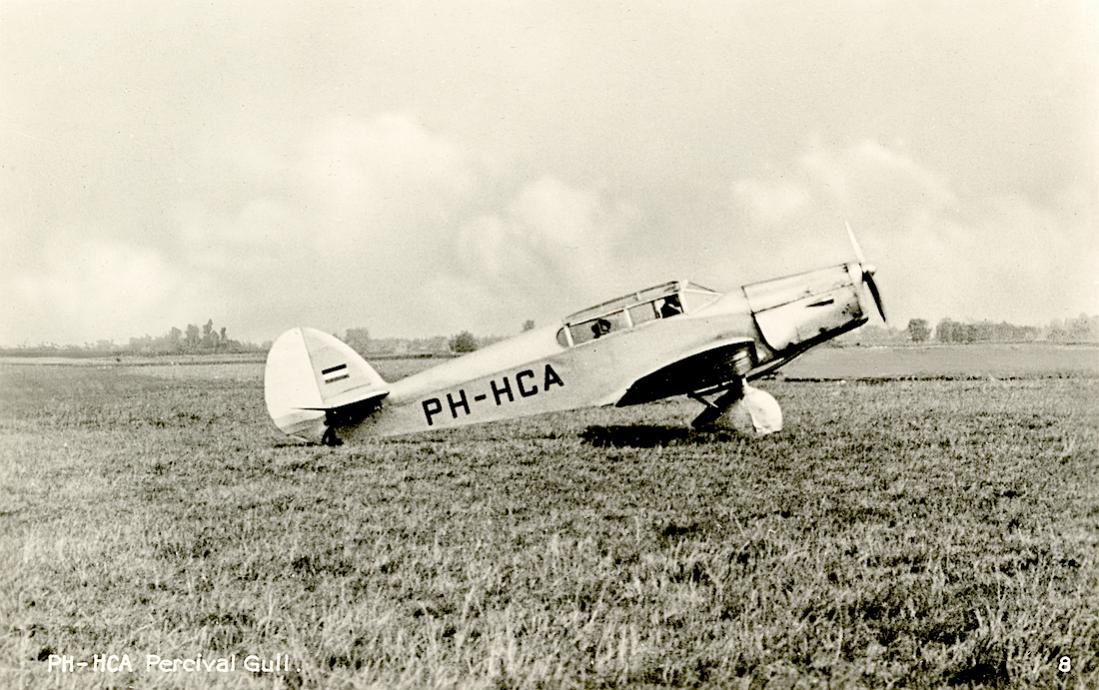 Naam: Kaart 813. 'PH-HCA'. Percival P.1B Gull Four. 1100 breed.jpg Bekeken: 191 Grootte: 131,2 KB