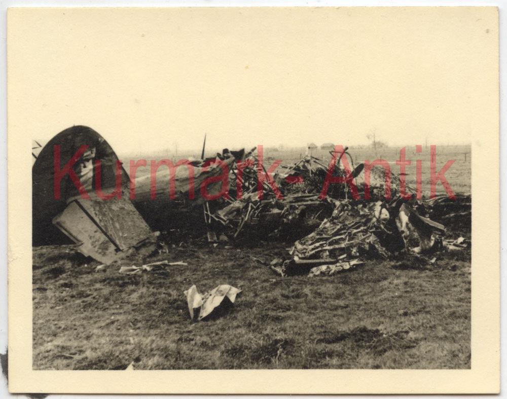 Naam: RAF onbekend eenmotorig.jpg Bekeken: 524 Grootte: 121,8 KB