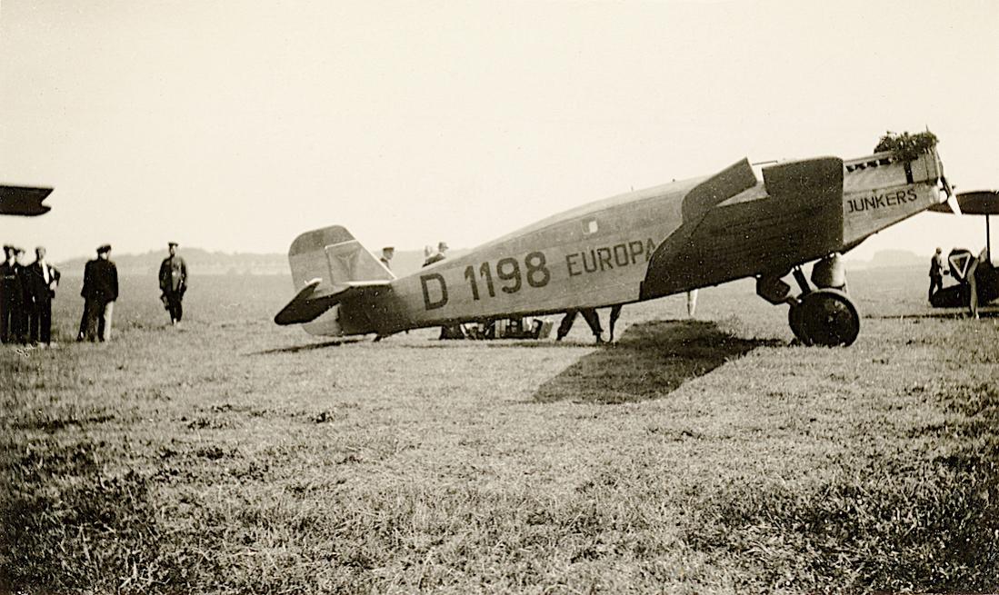 Naam: Foto 500. D-1198 %22Europa%22. Junkers W 33. 1100 breed.jpg Bekeken: 113 Grootte: 136,0 KB
