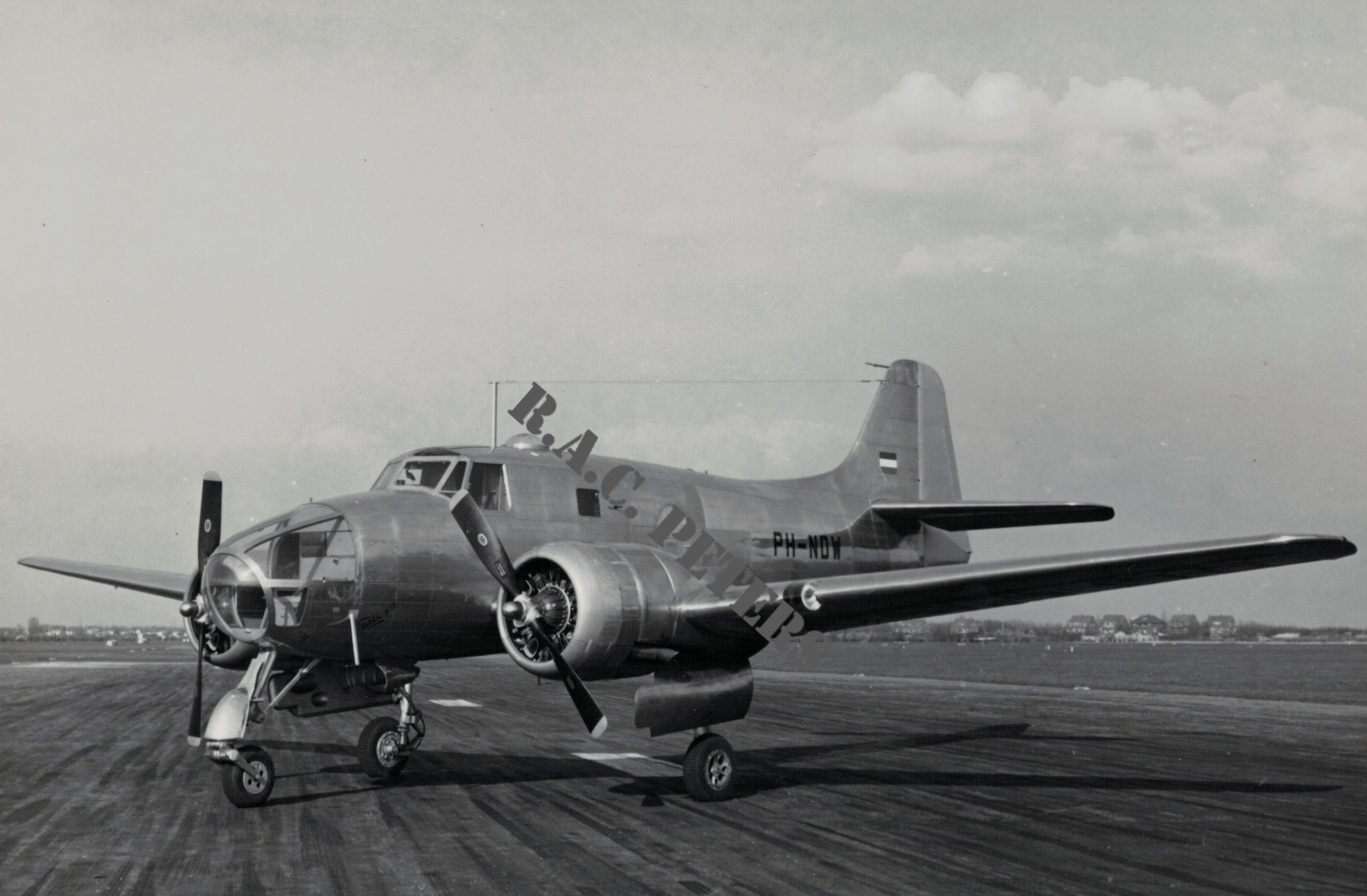 Naam: Fokker S.14-watermark-003.jpg Bekeken: 384 Grootte: 486,7 KB
