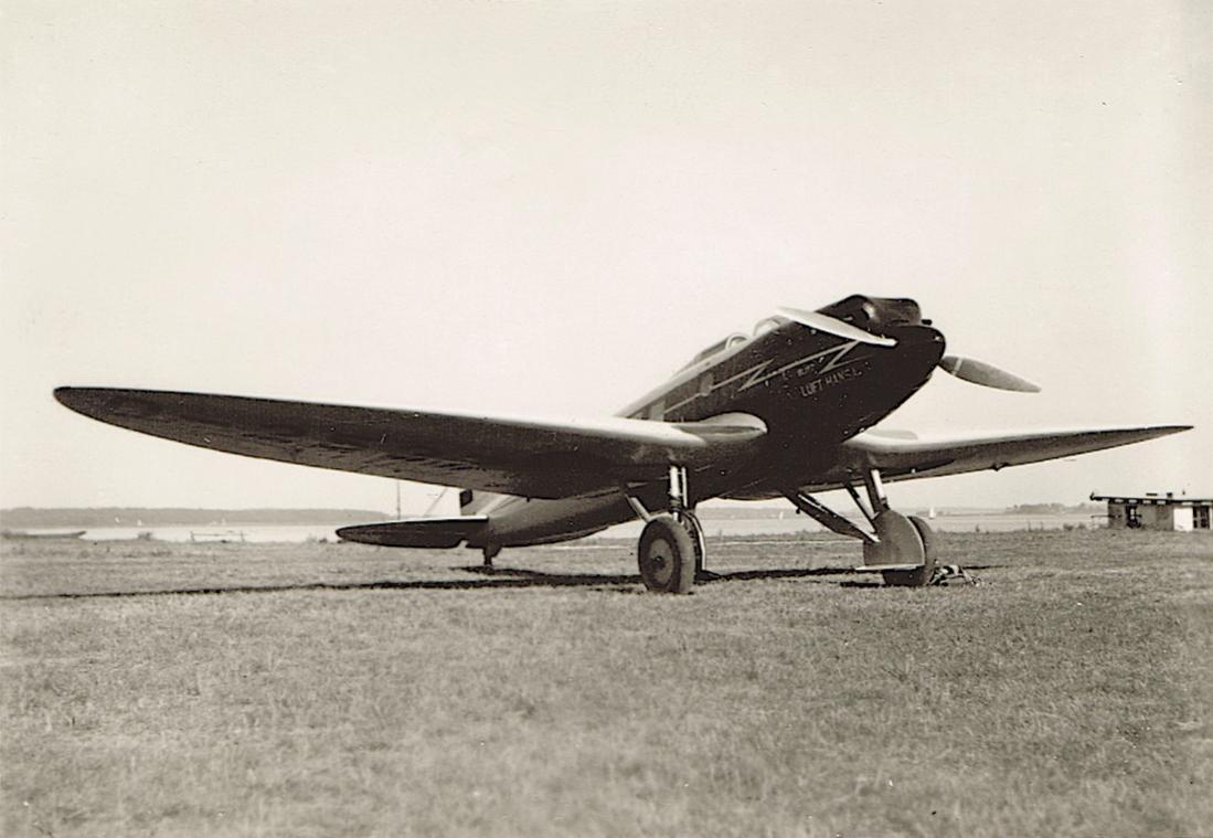 Naam: Foto 425. D-2537 (D-UHUX), Heinkel He 70. 1100 breed.jpg Bekeken: 343 Grootte: 82,9 KB