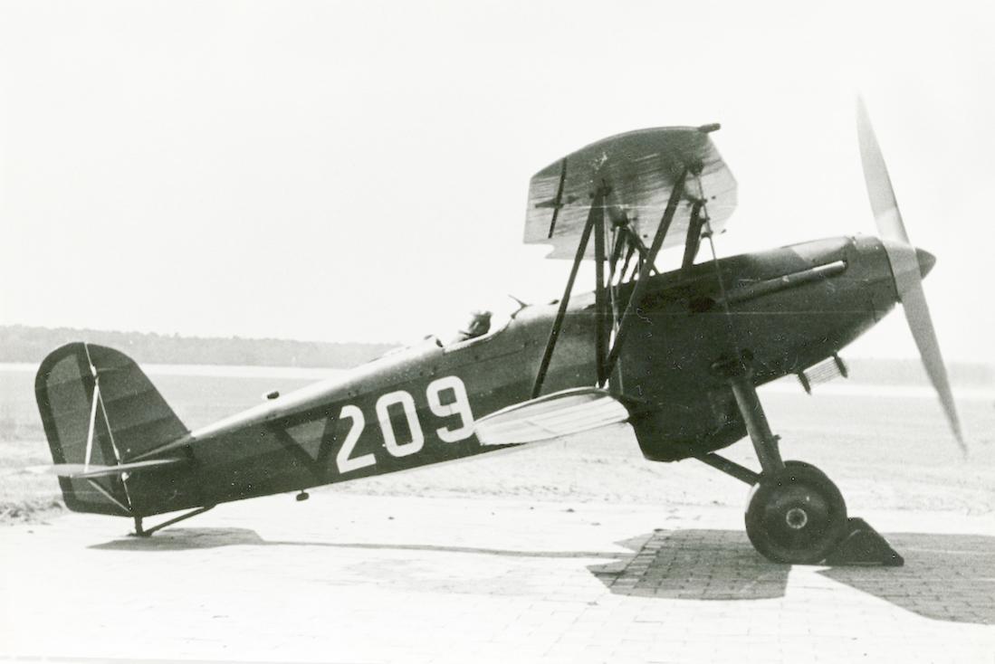 Naam: Foto 129. '209'. Fokker D.XVII. 1100 breed.jpg Bekeken: 111 Grootte: 58,7 KB