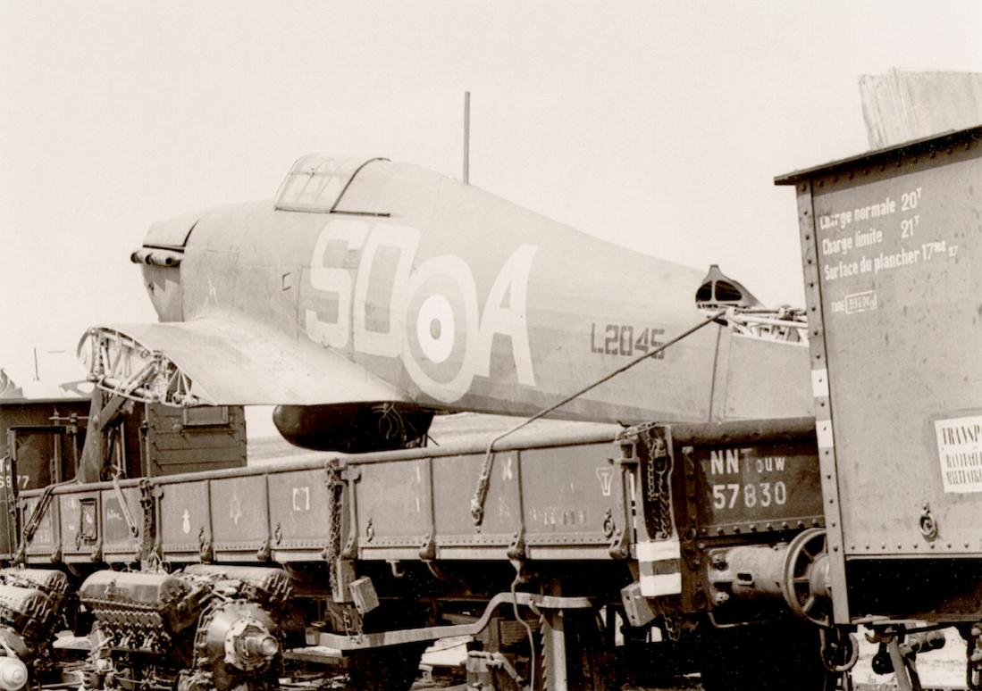 Naam: Foto 544. Hawker Hurricane Mk. I, L2045 'SD-A' van No. 501 Squadron tijdens transport naar No. 2.jpg Bekeken: 340 Grootte: 100,4 KB