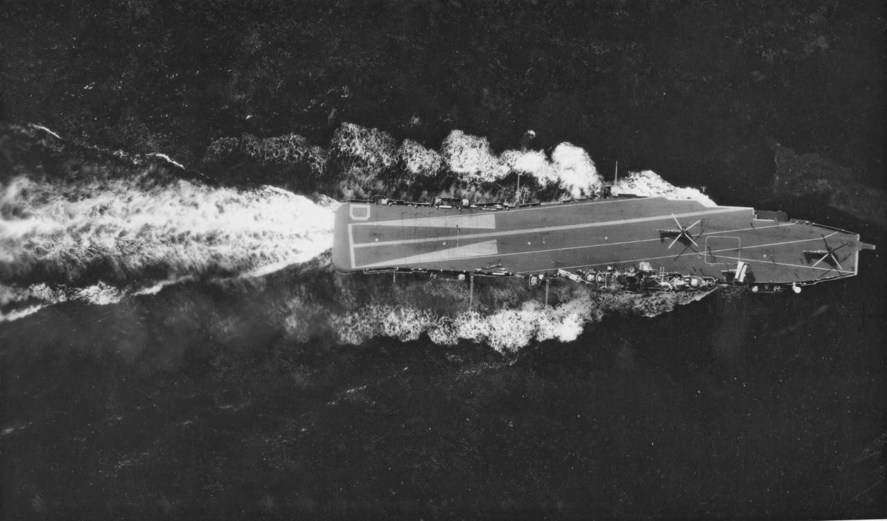 Naam: 3 Doorman vanuit Tracker bombbay, Linhof camera, 1963 (1280x752).jpg Bekeken: 390 Grootte: 223,4 KB
