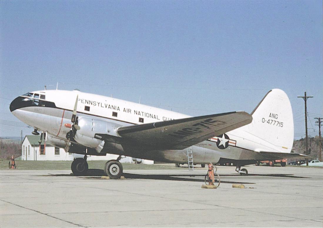 Naam: Foto 650. Curtiss C-46D-10-CU Commando 44-77715 : 0-477715 (c:n 33111). Bijnaam van de Commando .jpg Bekeken: 66 Grootte: 87,6 KB