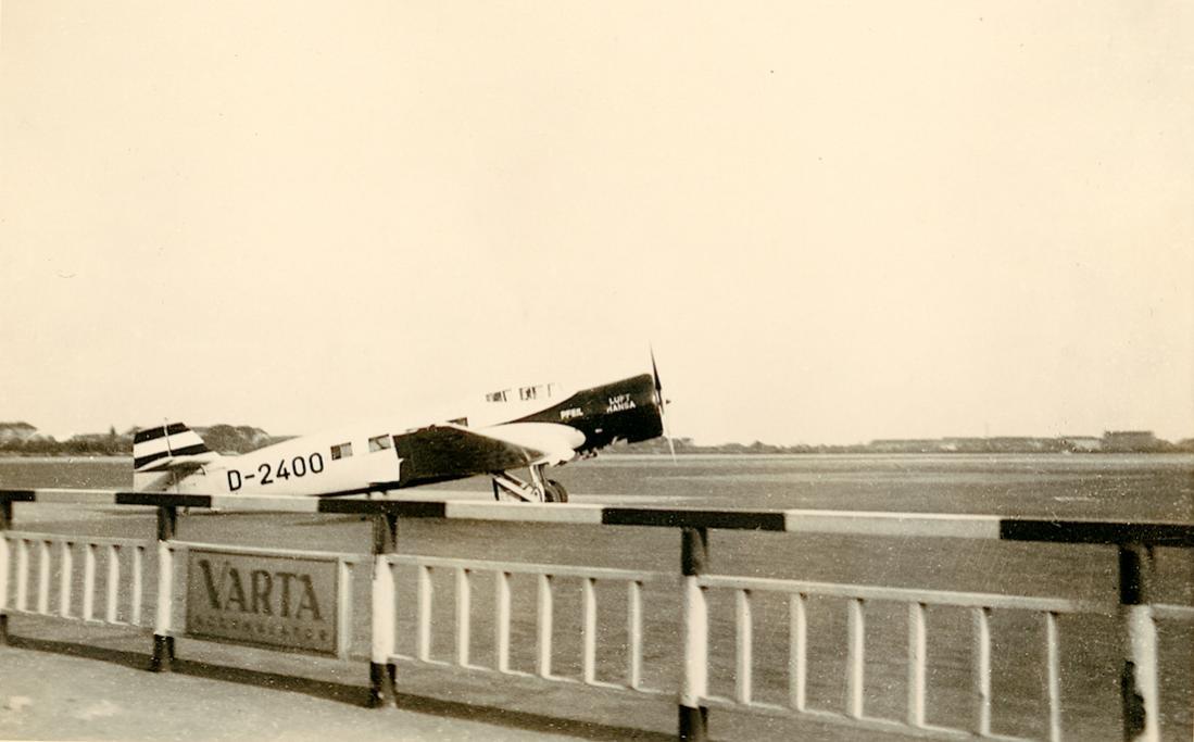 Naam: Foto 483. D-2400 (D-UPAL). Junkers Ju 60ba. 1100 breed.jpg Bekeken: 115 Grootte: 65,3 KB