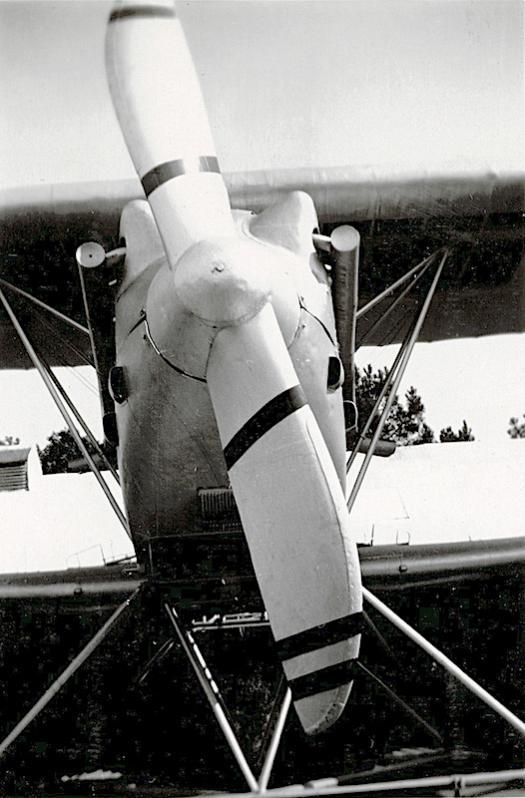 Naam: Foto 8. C.Vw (of toch C.V?) op Luchtvaarttentoonstelling Soesterdal. Op dun los papiertje 'Water.jpg Bekeken: 1603 Grootte: 60,9 KB