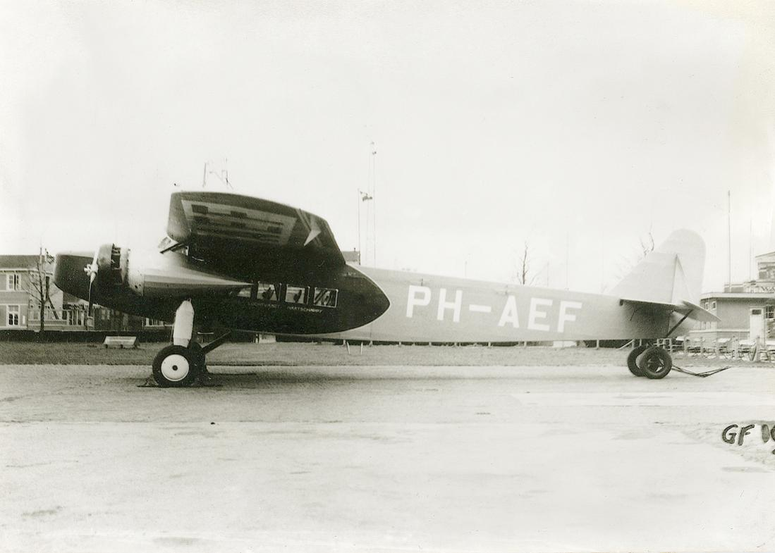 Naam: Foto 355. 'PH-AEF'. Fokker F.VIII op Waalhaven. 1100 breed.jpg Bekeken: 74 Grootte: 67,6 KB