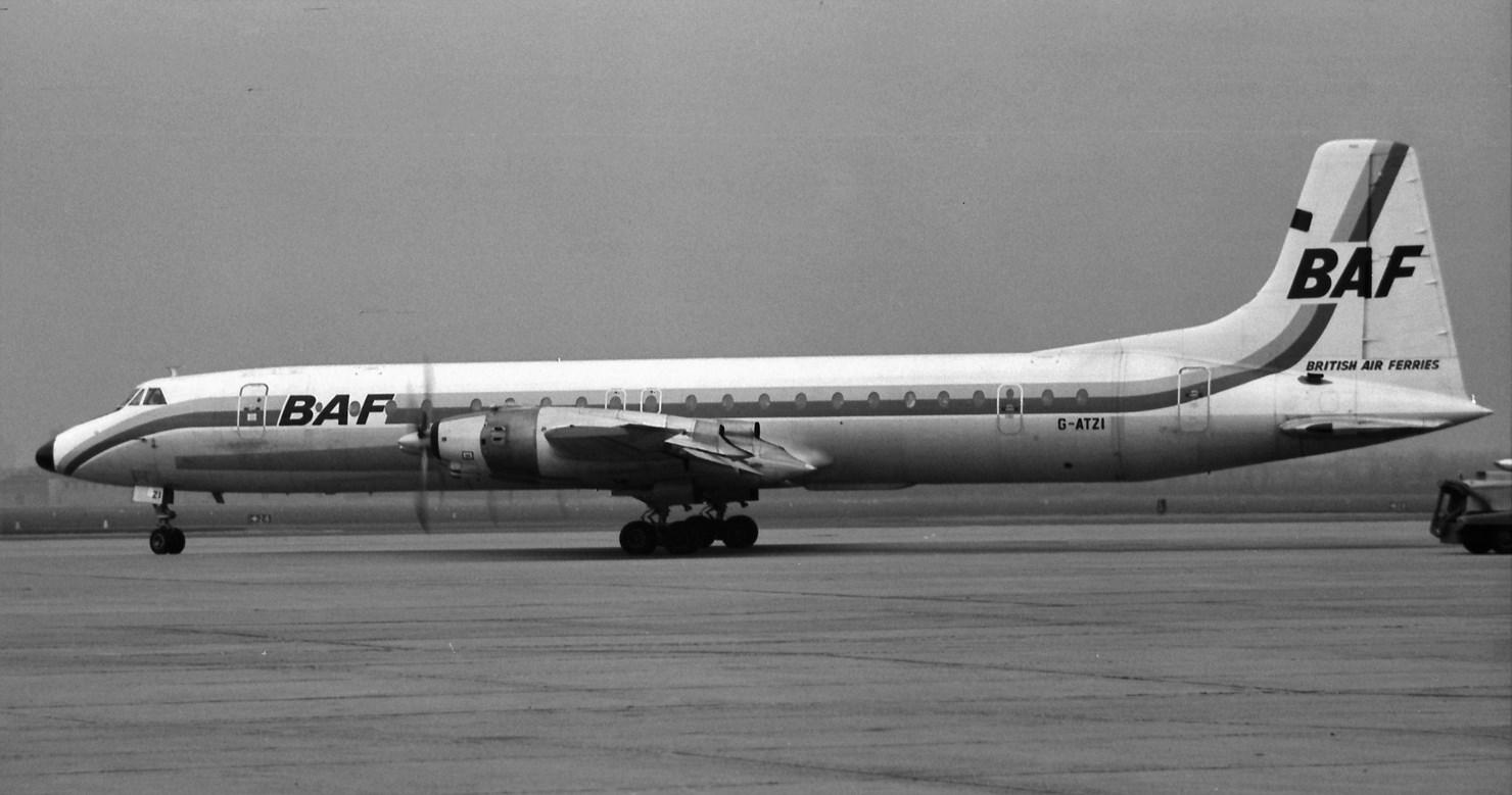Naam: 34. G-ATZI Canadair CL-44-D4 Yukon cn.25.jpg Bekeken: 504 Grootte: 185,8 KB