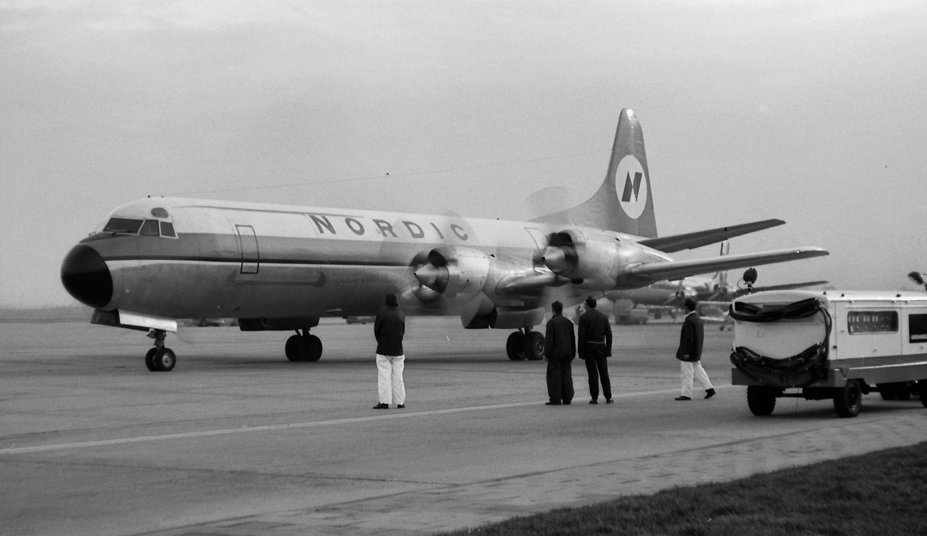 Naam: 38. LN-MOD Lockheed L-188A Electra cn.1143 Nordic.jpg Bekeken: 470 Grootte: 161,0 KB