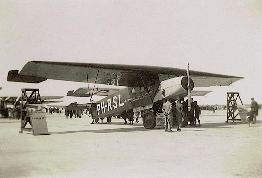 Naam: Foto 198. 'PH-RSL'. Fokker F.II van de Rijks Studiedienst voor de Luchtvaart, kopie 1100.jpg Bekeken: 369 Grootte: 84,0 KB