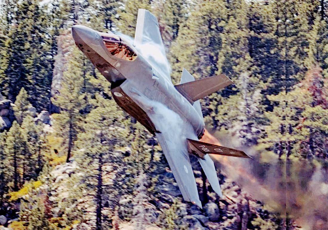 Naam: Foto 277. 001. Lockheed F-35A Lightning II. 1100 breed.jpg Bekeken: 210 Grootte: 196,0 KB