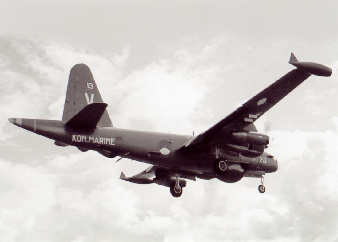 Naam: #367. '213'. Lockheed Neptune. 1100 breed.jpg Bekeken: 68 Grootte: 48,8 KB
