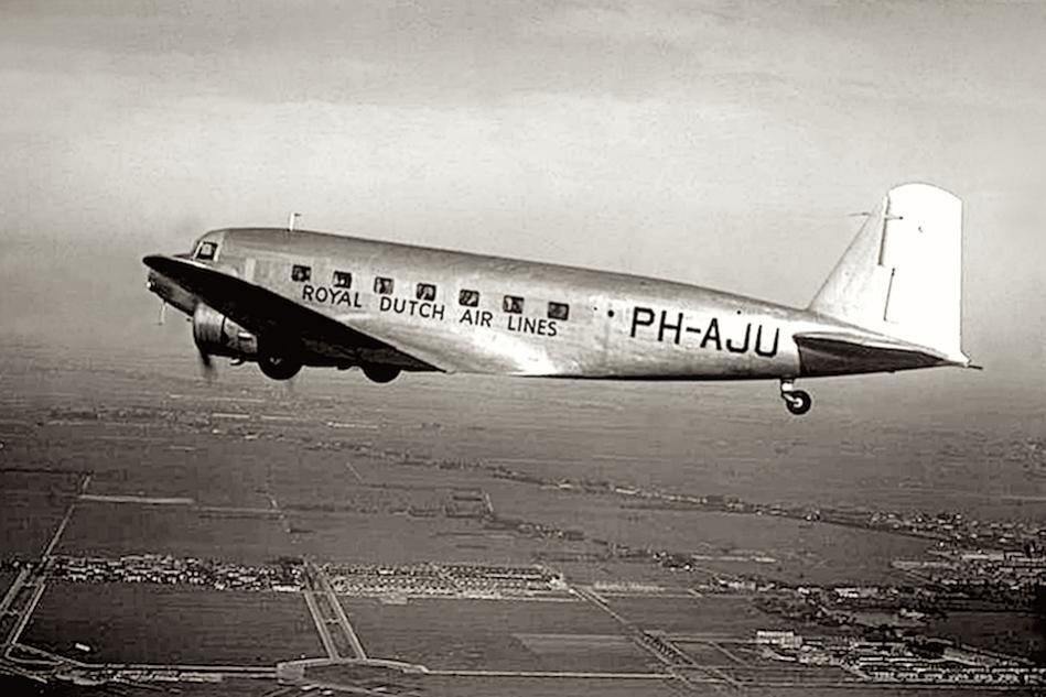Naam: Foto 11. Douglas DC-2 PH-AJU %22Uiver%22.jpg Bekeken: 1058 Grootte: 74,8 KB