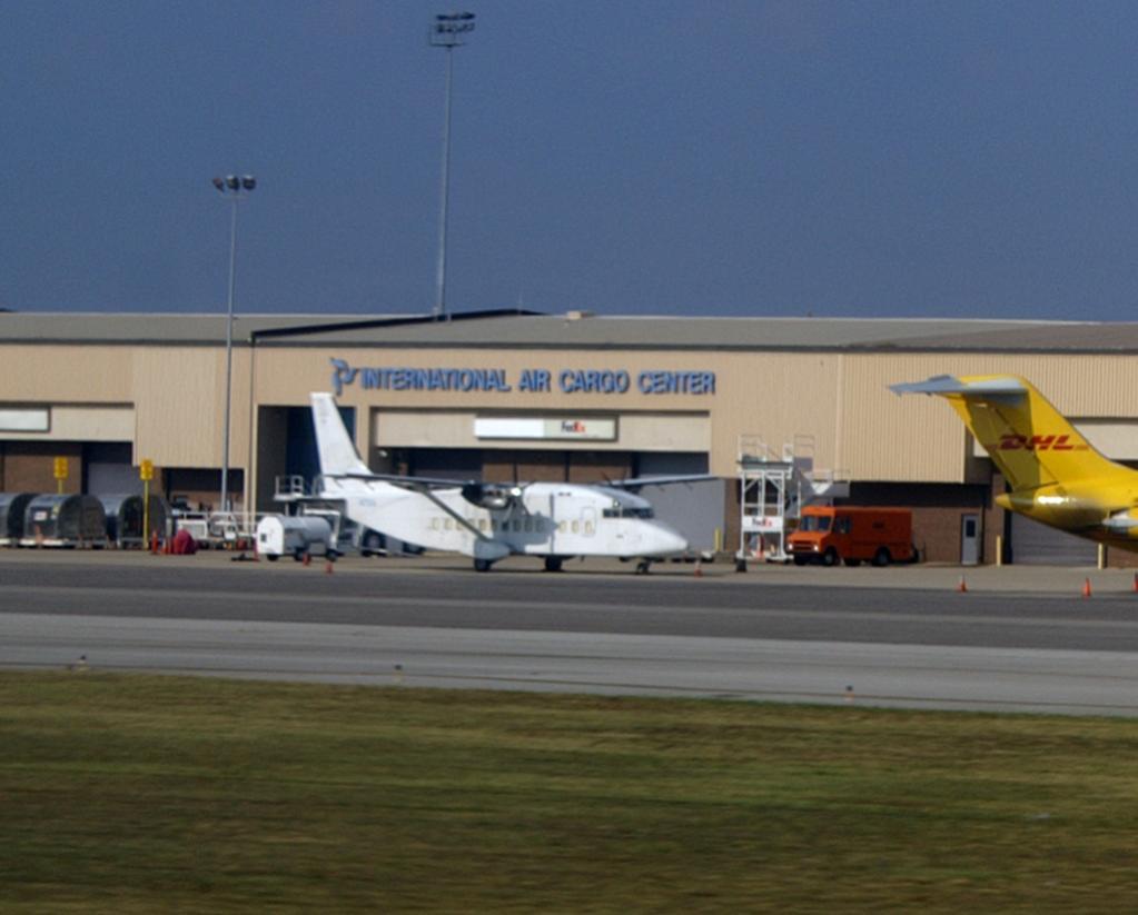Naam: hsv int airport23.jpg Bekeken: 349 Grootte: 70,1 KB
