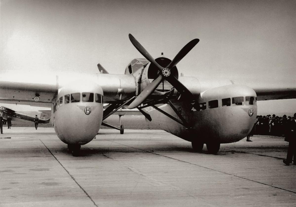 Naam: Foto. Bleriot 125, Le Bourget, 1933 kopie.jpg Bekeken: 549 Grootte: 101,1 KB