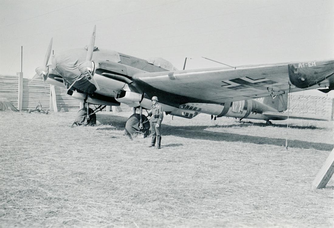 Naam: Foto 512. 'A1+EH. Heinkel He 111H-2 van KG53 'Legion Condor'. 1100 breed.jpg Bekeken: 407 Grootte: 109,1 KB