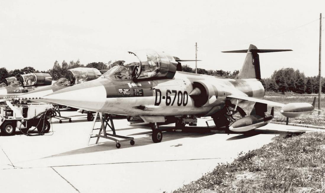 Naam: Foto 234. 'D-6700'. Door Fiat gebouwde Lockheed F-104G Starfighter. 1100 breed.jpg Bekeken: 183 Grootte: 88,5 KB