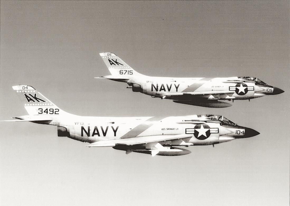 Naam: Foto 649. McDonnell F3H-2 (in 1962 redesignated F-3B) Demon. 1100 breed.jpg Bekeken: 169 Grootte: 86,3 KB